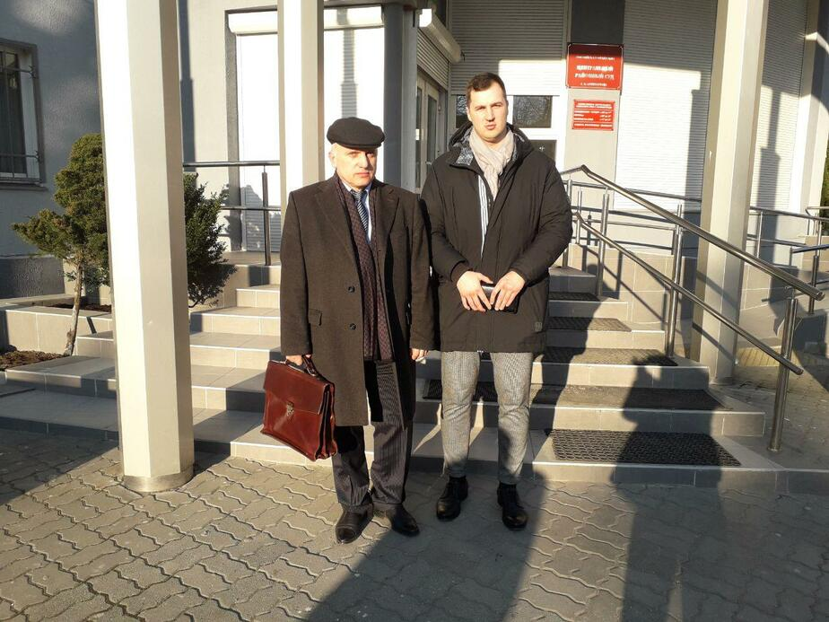 На фото обвиняемый Владимир Иванов и его адвокат Сергей Абдурахманов / Фото: Ольга Запивалова