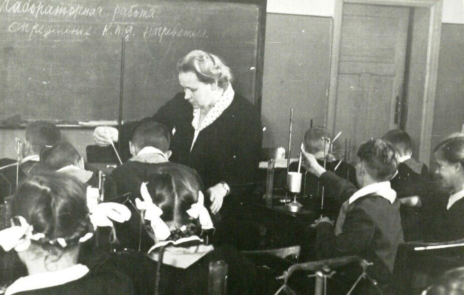1959 год. Урок физики в школе города Советска / Фото: Государственный архив Калининградской области (с)