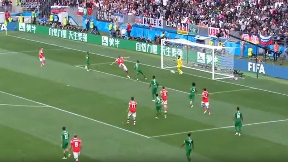 Футболистов сборной Саудовской Аравии накажут за поражение в матче с Россией - Новости Калининграда | Кадр видеозаписи