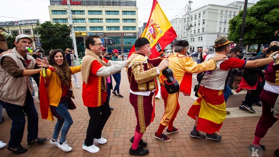 Как Калининград готовился к матчу сборных Испании и Марокко: репортаж с улиц города - Новости Калининграда