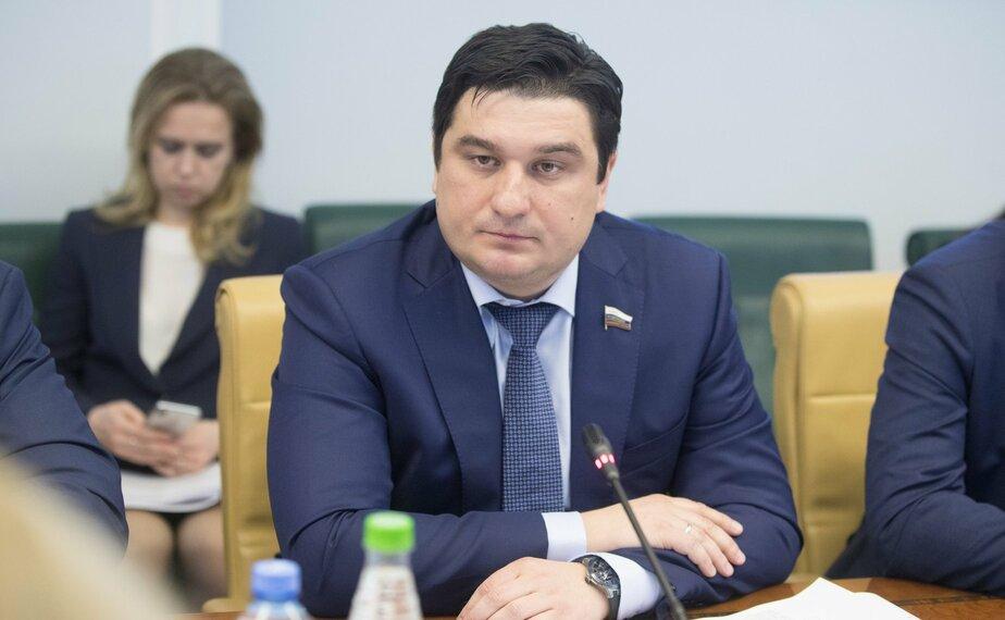 На фото Алексей Коротков | Фото: официальный сайт Совета Федерации