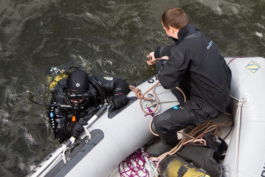 Под Светлогорском ловцы янтаря вытащили на берег тело утонувшего мужчины - Новости Калининграда