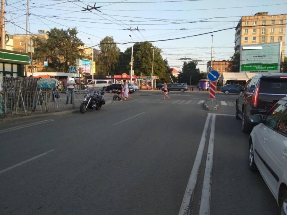 На ул. Черняховского мотоциклист сбил пешехода - Новости Калининграда | Фото: пресс-служба регионального УМВД