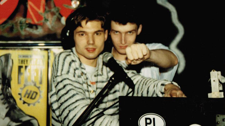 Ди-джей Андрей и Валерий Коновалов на работе | Фото: личный архив Валерия Коновалова