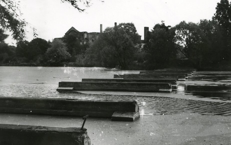 1958 год. Берег Нижнего озера   Фото: Частная коллекция А.П. Бахтина