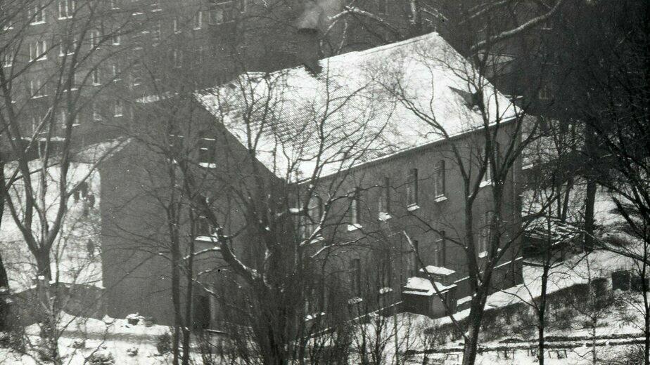 """Старый немецкий дом на фоне советской """"хрущёвки""""   Фото: Игорь Чернявский"""