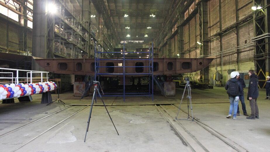 Одна из четырех днищевых секций, изготовленных на заводе в Выборге