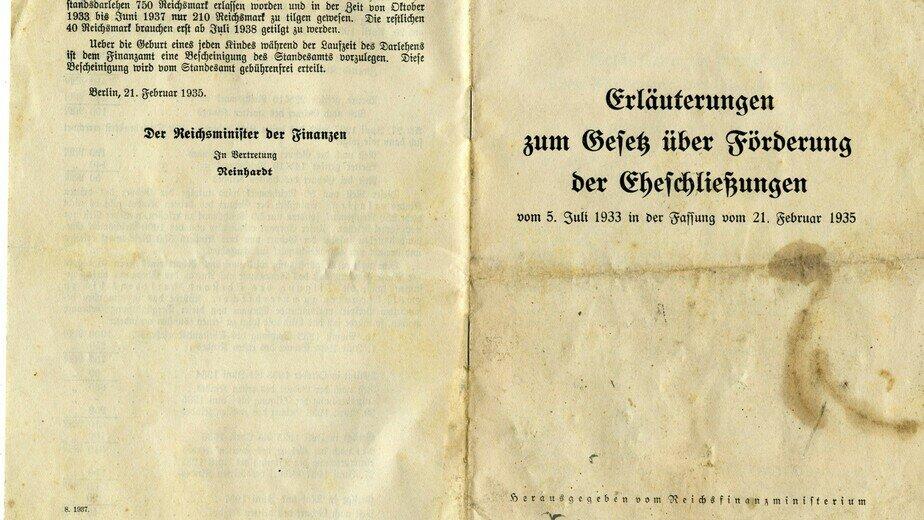 Нацистская брошюра: кредиты только тем, у кого есть документ об арийском происхождении | Фото: Государственный архив Калининградской области