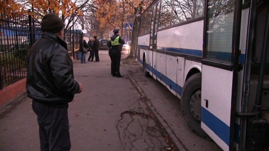 В Калининграде ГИБДД сняла с линии несколько пассажирских автобусов без техосмотра и с перебитыми VIN - Новости Калининграда | Фото: пресс-служба регионального УМВД