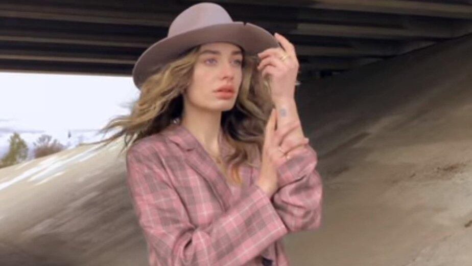 В Калининград приехала модель из рейтинга Victoria's Secret Соня Есьман - Новости Калининграда | Фото: кадр из ролика на канале Сони Есьман в Youtube