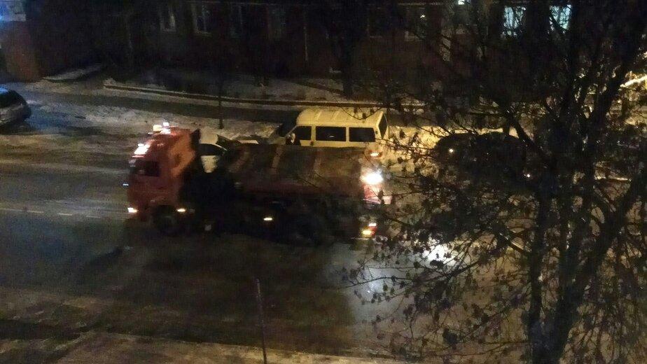 Очевидцы: гололёд стал причиной ДТП на Мамоновском шоссе и ул. Карла Маркса (фото) - Новости Калининграда   Фото очевидца