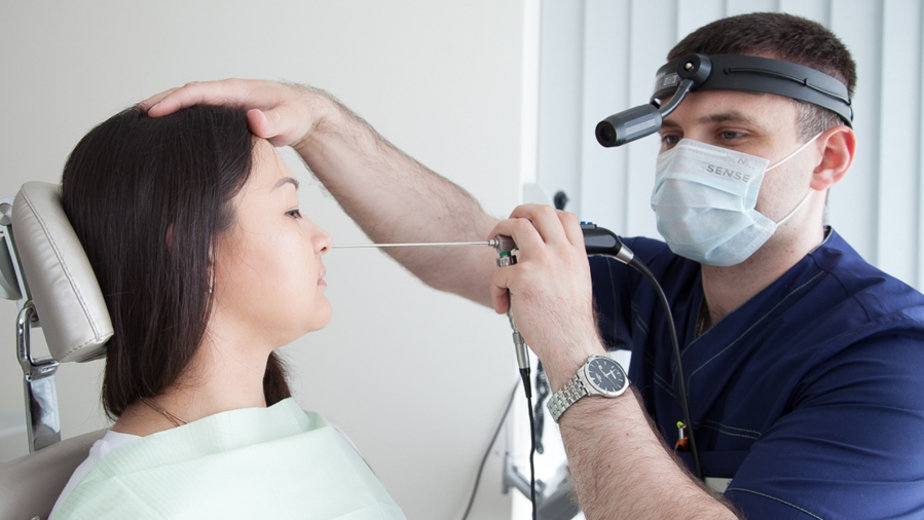 """Эндоскопическое обследование носа и носоглотки — современный способ диагностики позволяет существенно сократить время осмотра и максимально увеличить эффективность лечения используется на постоянной основе в МЦ """"Апрель"""""""