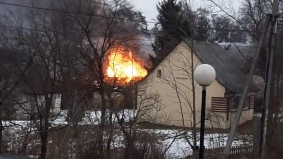 В Калининграде во время пожара на Аллее Смелых пострадал человек (видео, обновлено) - Новости Калининграда | Фото: кадр из видео