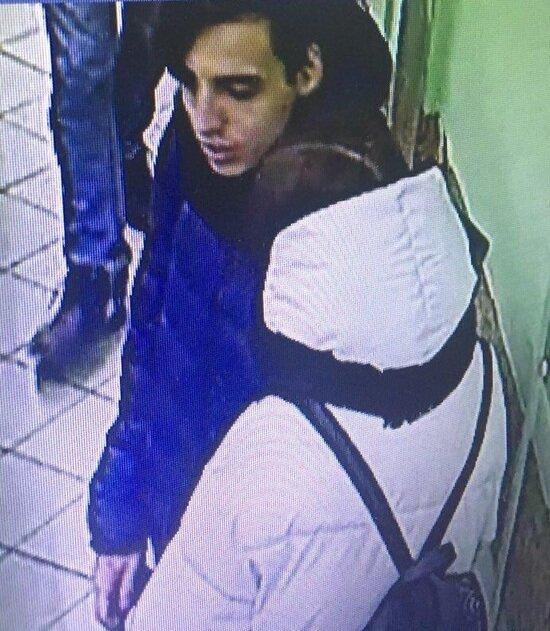 В Калининграде полиция устанавливает личность подозреваемого в краже банковской карты (фото) - Новости Калининграда | Фото: пресс-служба регионального УМВД