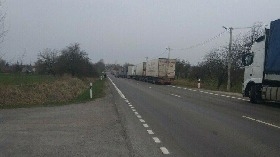 В таможне объяснили, почему калининградские грузовики застряли на погранпереходе в Кибартае - Новости Калининграда | Фото: очевидец