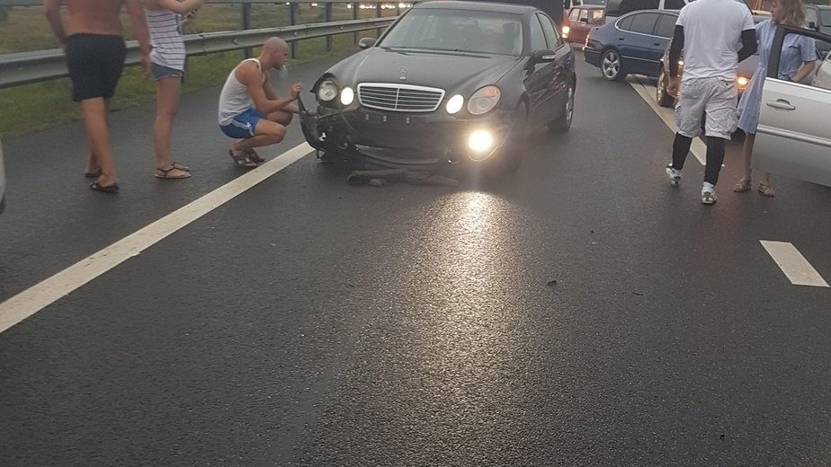 Начался суд по делу о драке на Приморском кольце, где обочечники избили пассажира одной из машин  - Новости Калининграда   Фото: очевидец
