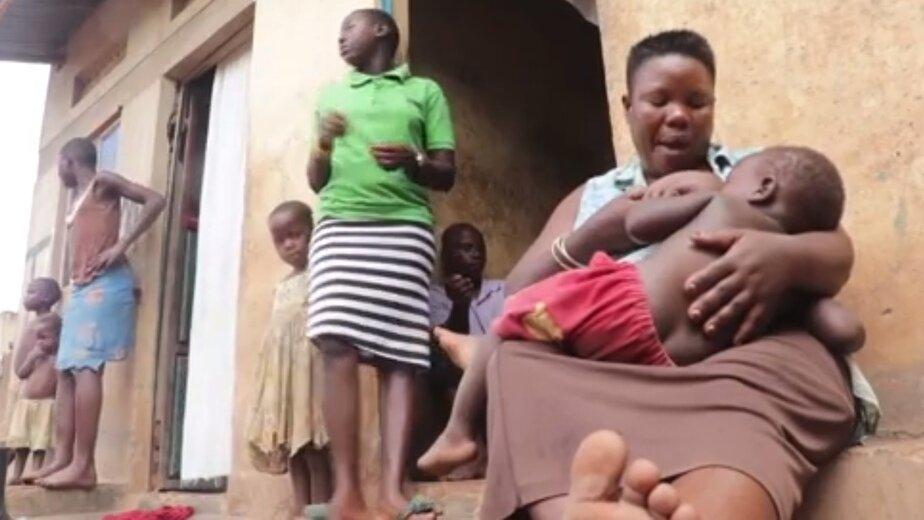 Жительницу Уганды признали самой многодетной матерью в мире - Новости Калининграда | Изображение: кадр из эфира Reuters TV