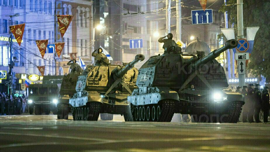 В Калининграде прошла ночная репетиция парада Победы (фоторепортаж) - Новости Калининграда | Фото: Александр Подгорчук