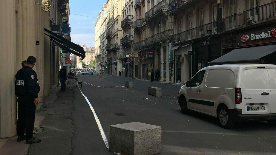 Названа основная версия взрыва на пешеходной улице в центре Лиона - Новости Калининграда | Фото: Police nationale / Twitter