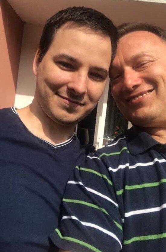 На фото: Александр с сыном Артёмом | Фото с личной страницы Александра Торбы / Facebook