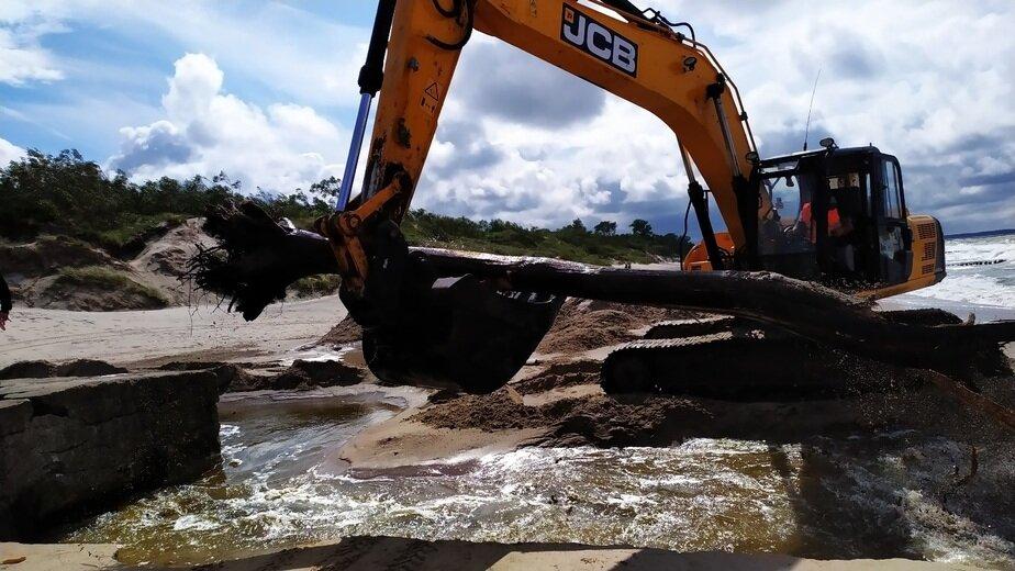 Под Зеленоградском очистили от песка устье реки Медвежьей, грозившей подтоплением двум посёлкам - Новости Калининграда | Фото с сайта администрации Зеленоградского городского округа