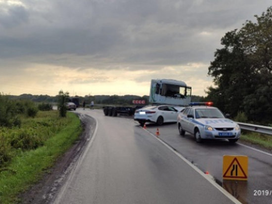 Под Балтийском в тройном ДТП пострадал один из водителей (фото) - Новости Калининграда | Фото: пресс-служба регионального УМВД