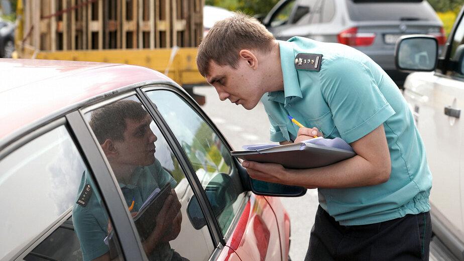 Приставы арестовали Infininti одной из крупнейших неплательщиц транспортного налога в регионе - Новости Калининграда | Фото: пресс-служба правительства Калининградской области