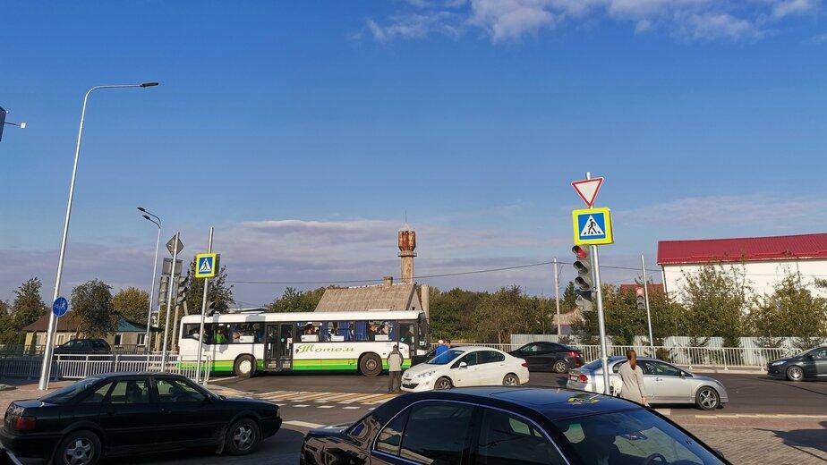 Разбитые заборы и тротуары с двух сторон: плюсы и минусы открытой две недели назад Шатурской   - Новости Калининграда | Фото: очевидец