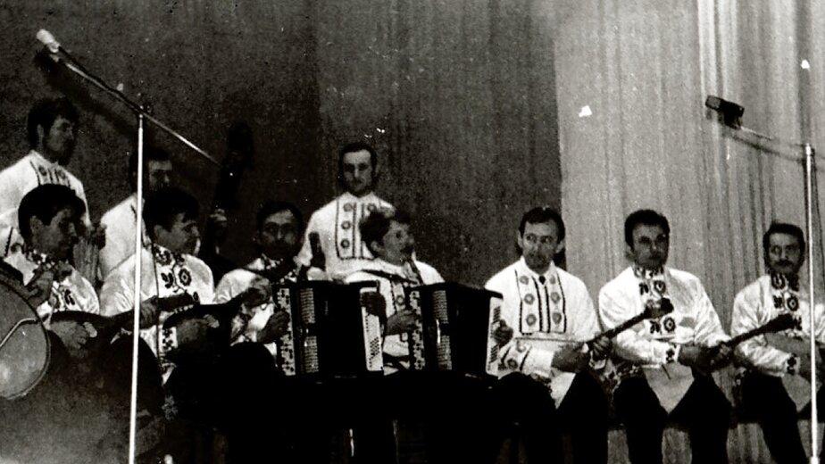Концерт художественной самодеятельности в гарнизонном Доме офицеров | Фото: из семейного альбома Валерия Кочешкова