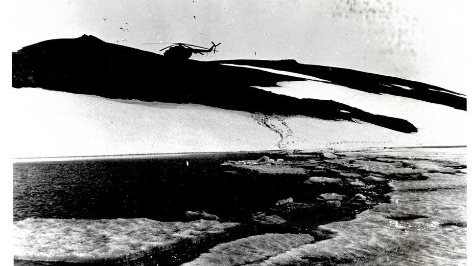 Во время испытаний экипажи вертолётов оставались на площадках у штольни | Фото: из семейного альбома Валерия Кочешкова
