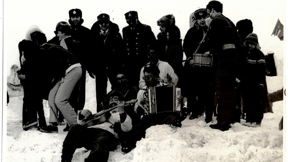 Праздник проводов зимы на Новой Земле | Фото: из семейного альбома Валерия Кочешкова