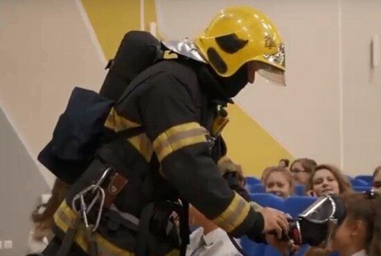 В самой большой школе Калининградской области прошли противопожарные учения   - Новости Калининграда | Кадр видеозаписи