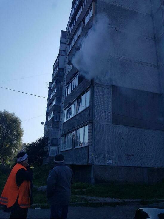 В Калининграде из горящей квартиры спасли мужчину - Новости Калининграда   Фото: очевидец