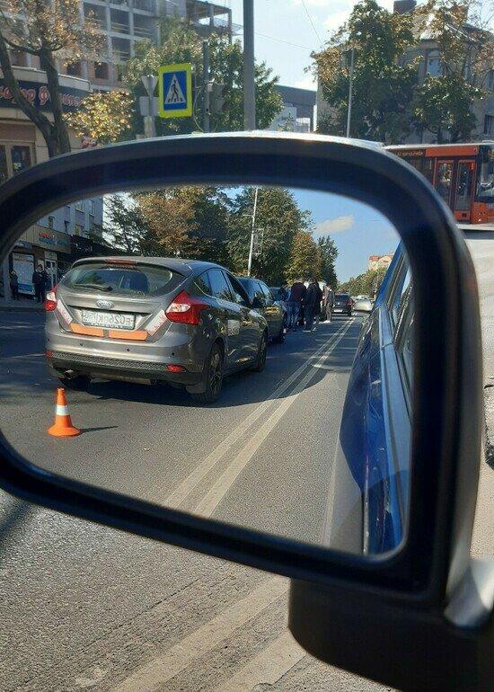 На ул. Невского столкнулись пять машин, образовалась пробка - Новости Калининграда | Фото: Екатерина Молина