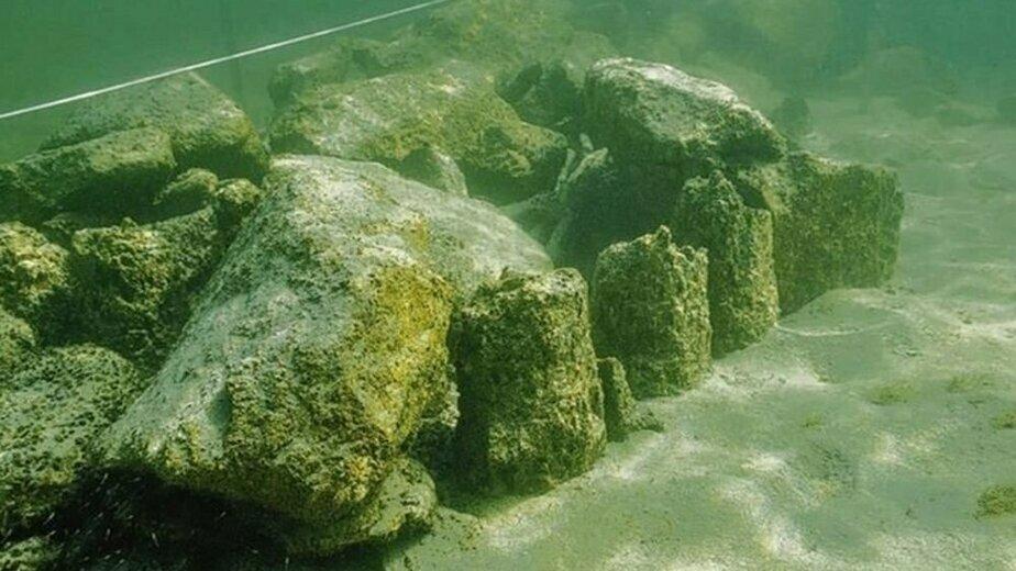 На дне озера в Швейцарии нашли каменную пирамиду возрастом старше пяти тысяч лет - Новости Калининграда | Фото: Thurgau Archaeology
