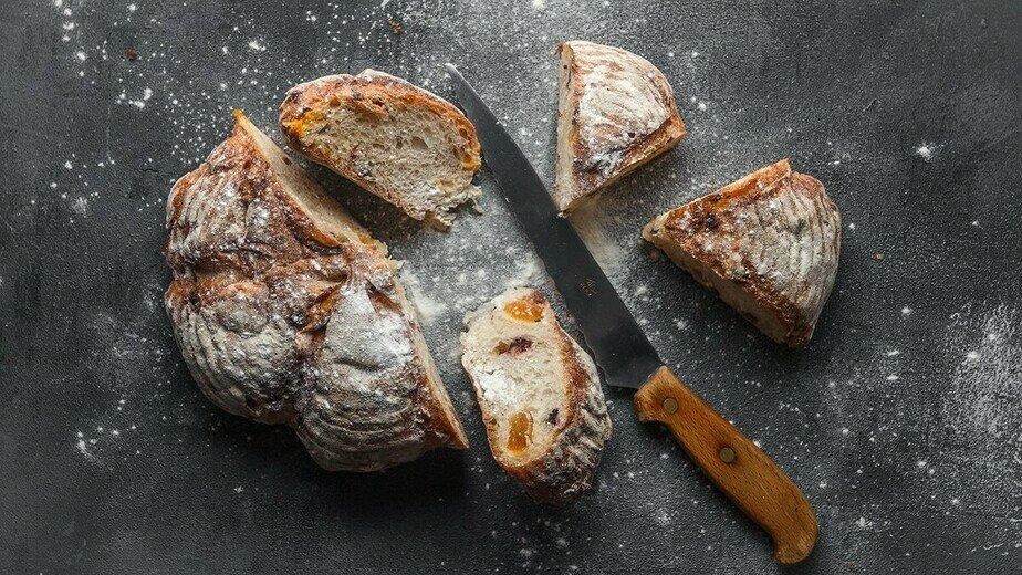 Хлеб с абрикосом и вяленой клюквой