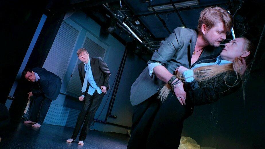 В драмтеатре вновь покажут экспериментальный спектакль по пьесе болгарского драматурга - Новости Калининграда | Фото с сайта Драмтеатра