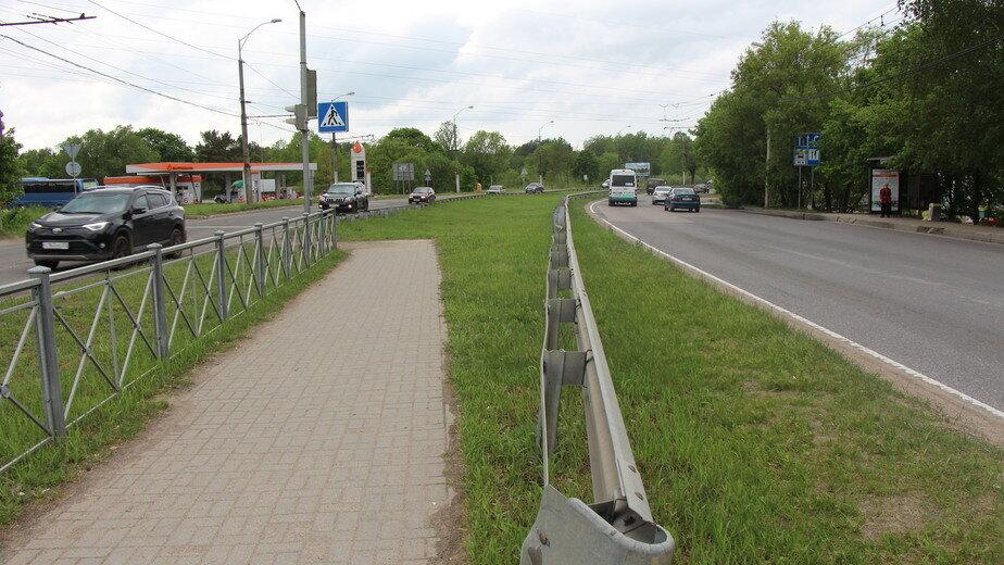 У школы на  Балтийском шоссе в Калининграде сняли шумовые полосы и разрешили ездить быстрее - Новости Калининграда | Фото: пресс-служба мэрии Калининграда