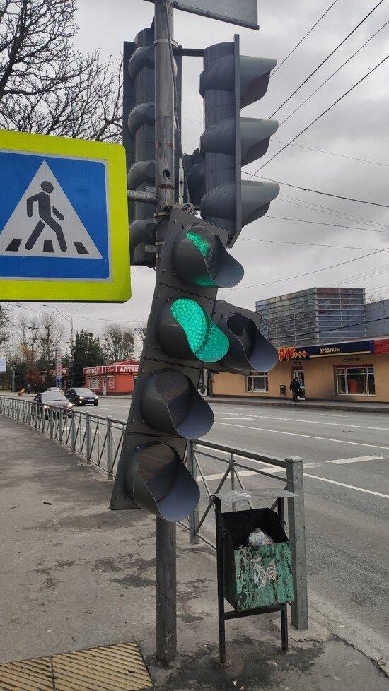 На проспекте Победы в Калининграде упал светофор (фото) - Новости Калининграда | Фото очевидца