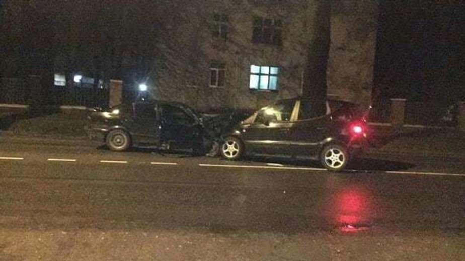 На ул. Емельянова пьяная водитель BMW выехала на встречку и столкнулась с Mercedes - Новости Калининграда | Фото: пресс-служба регионального УМВД