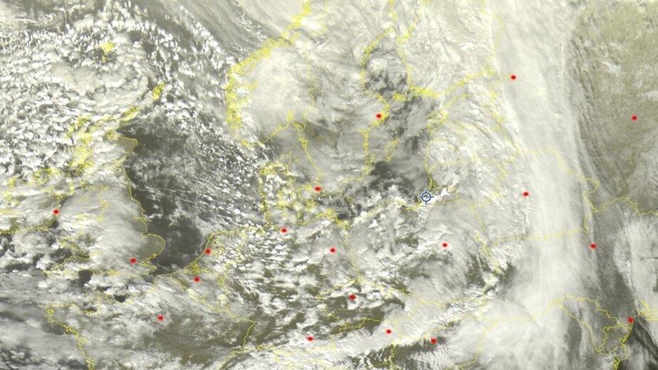 Циклон со спутника | Скриншот сайта en.sat24.com
