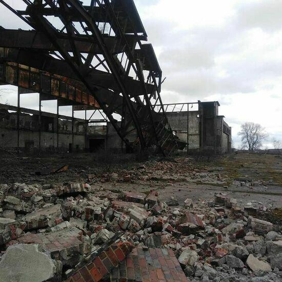 На Балткосе рухнули перекрытия ангара, который разбирают на металлолом (фото, видео) - Новости Калининграда | Фото: Сергей Дустин