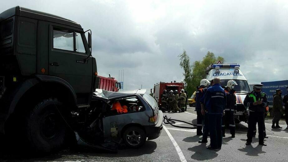 В ДТП на перекрёстке Емельянова и Энергетиков погиб 26-летний калининградец - Новости Калининграда | Фото очевидца