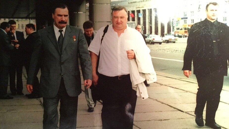 На фото: Андрей Шуляк (справа). Конец 1990-х | Фото: личный архив