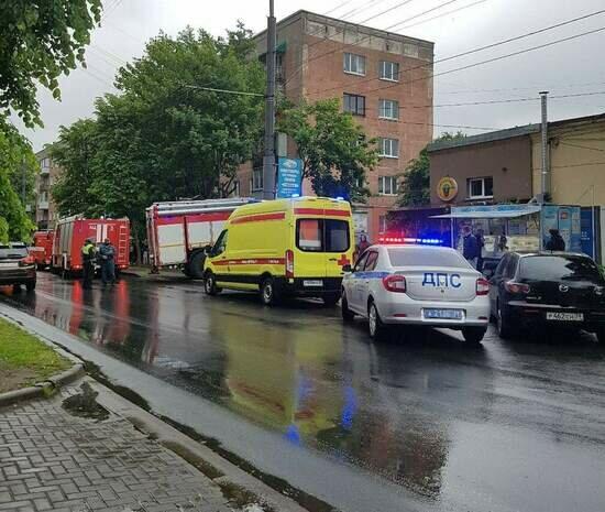 В Калининграде на Леонова загорелась квартира, спасли двух человек (фото, видео) - Новости Калининграда | Фото: очевидец