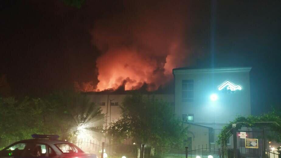 В Зеленоградске загорелся детский дом (фото, видео) - Новости Калининграда   Фото очевидца