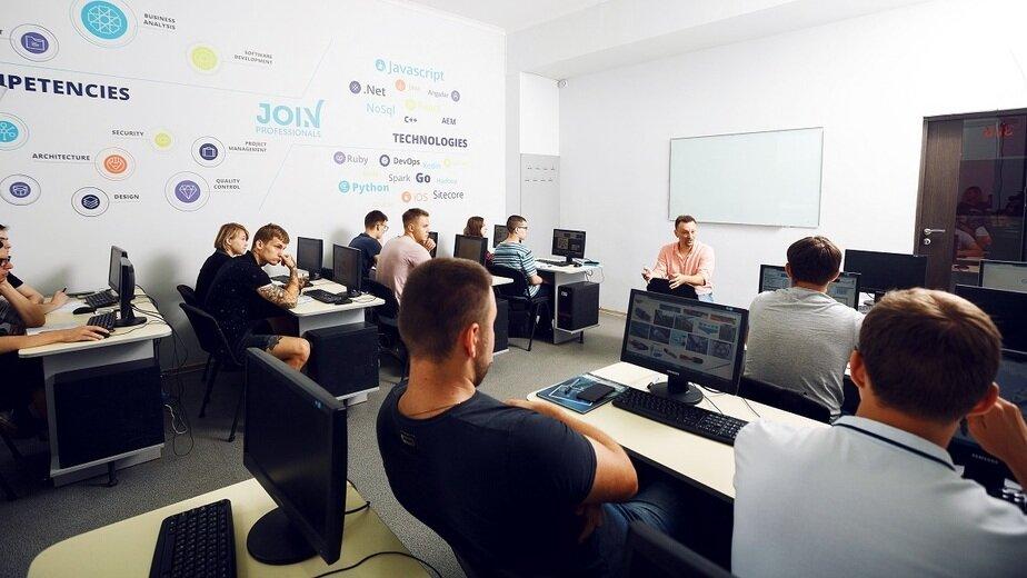 Жить в Калининграде, работать в США: объявлен набор в международную компьютерную академию - Новости Калининграда