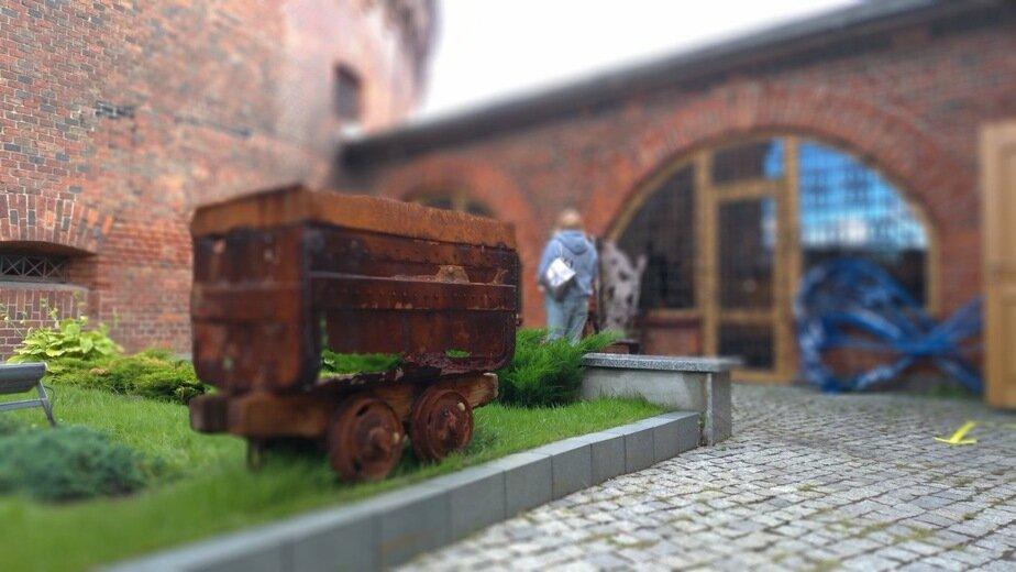 В Музей янтаря передали вагонетку, выброшенную штормом на пляж - Новости Калининграда | Фото: пресс-служба Музея янтаря