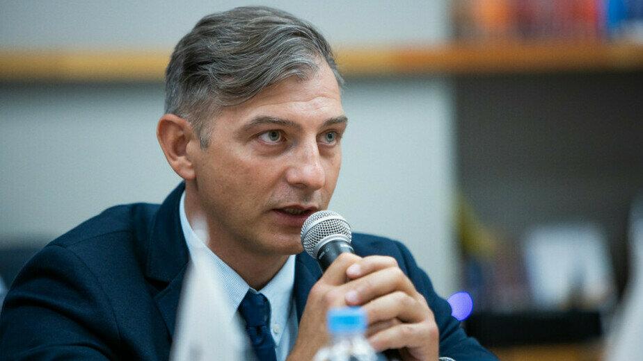 Дмитрий Офицеров