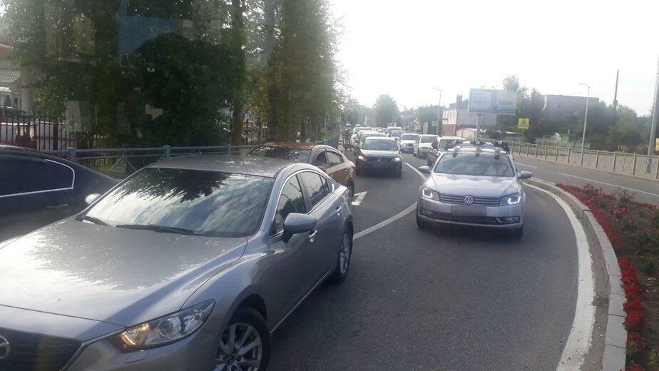 На подъезде к Куршской косе образовалась многокилометровая пробка - Новости Калининграда | Фото очевидца